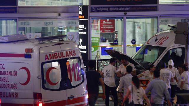 O terror do atentado na Turquia espelhado em fotografias
