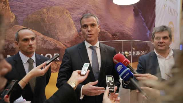 """Deputado do PSD diz que a Madeira está """"refém"""" da """"governação nacional"""""""