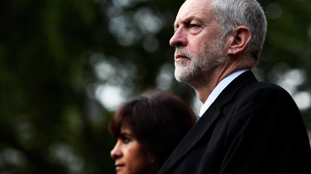May deve demitir-se se acordo para Brexit for rejeitado
