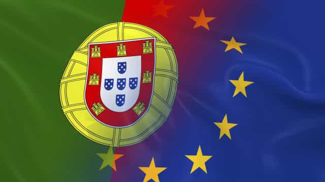 """Portugal """"voltou a ganhar ímpeto"""" mas ajustamento """"está em risco"""""""