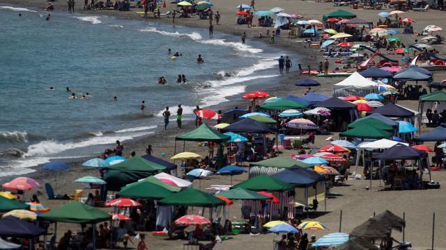 Menino de quatro anos e pai morreram afogados em praia espanhola