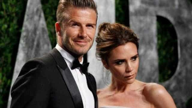 David e Victoria Beckham leiloam roupas de casamento por causa solidária