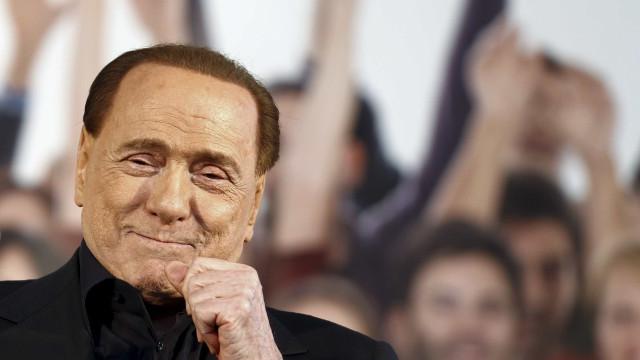 Berlusconi candidata-se ao Parlamento Europeu