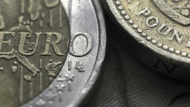 Libra desce ao valor mais baixo face ao euro desde outubro de 2009