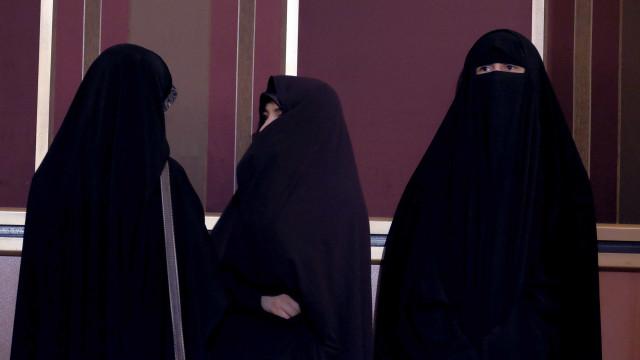 Holanda vai votar sobre proibição do uso de burkas em espaços públicos