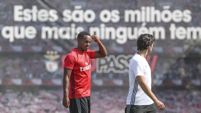 Carrillo já treinou com o Benfica em Inglaterra antes da Emirates Cup