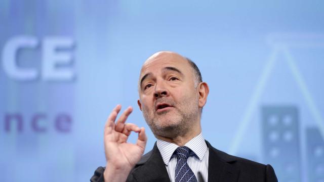 "Moscovici saúda ""belo golo"" de Centeno ""Ronaldo"" na estreia no Eurogrupo"