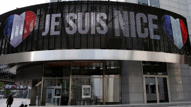 Há mais três portugueses que foram feridos no atentado em Nice