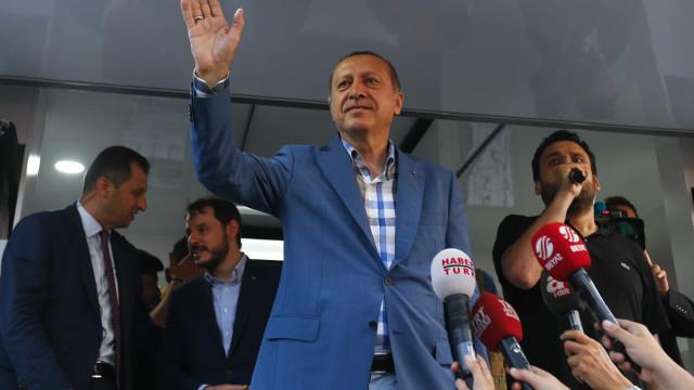Erdogan acusa UE de querer derrubar Maduro em detrimento da democracia