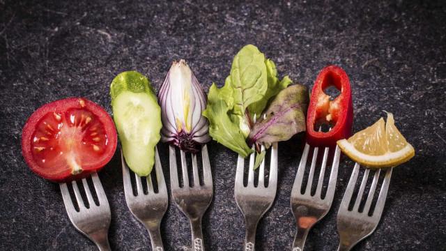 Alimentação 100% biológica em 2050 só é possível com alterações na dieta
