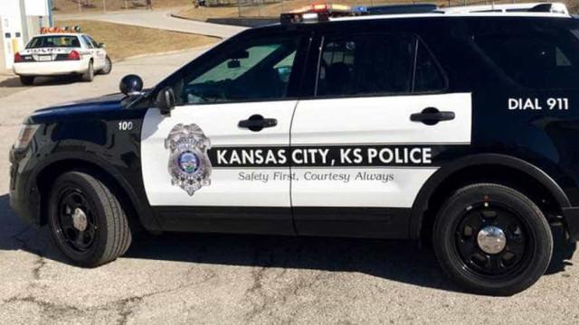 Três polícias baleadas no Kansas em tiroteio. Suspeito barricado