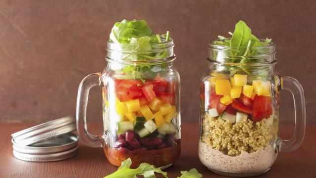 Salada em frascos, a tendência que deve seguir
