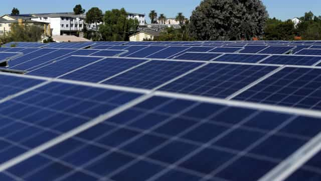 Governo deu luz verde a centrais fotovoltaicas no Alentejo e no Algarve