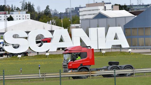 Scania vai pagar mais de 880 milhões por participar no cartel dos camiões