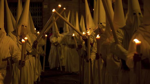 Editorial de jornal dos EUA pede regresso das 'night rides' do KKK