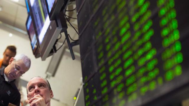 Bolsas europeias em alta pendentes da evolução do euro face ao dólar