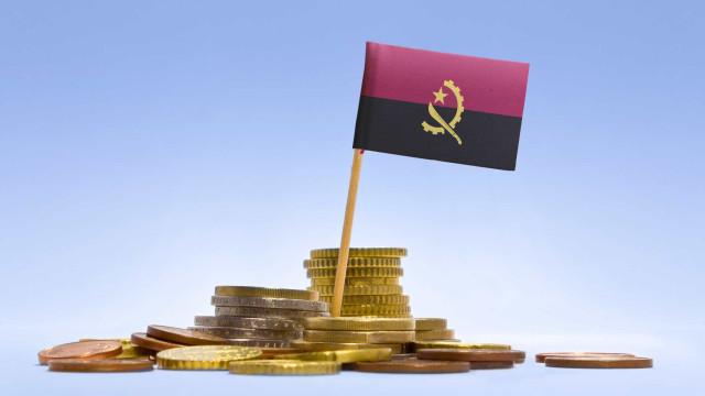 Moeda angolana volta a bater máximos históricos face a euro e dólar
