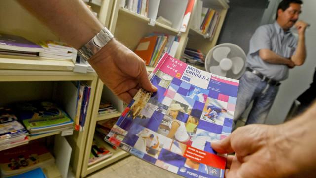 Diretores desvalorizam problema na plataforma dos manuais escolares