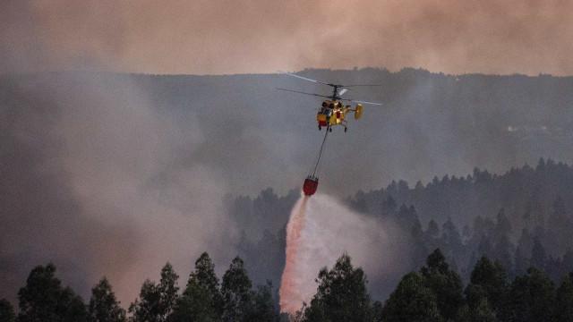 Helicóptero de combate às chamas cai em Castro Daire