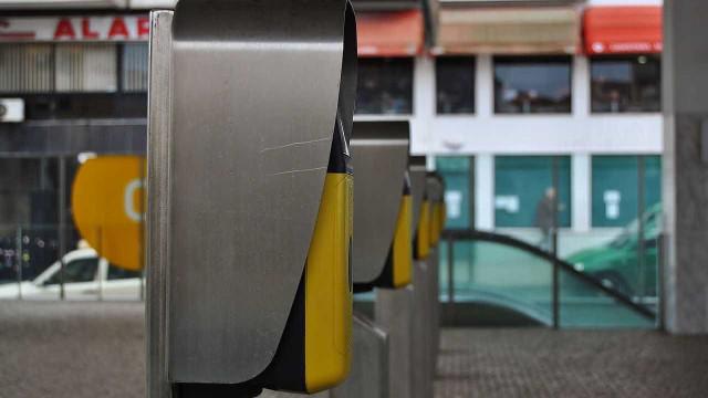 Greve na Metro do Porto intensifica trânsito e uso do comboio em Gondomar