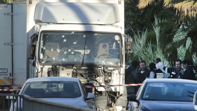 Mais duas pessoas detidas por ligações ao ataque em Nice