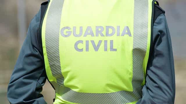 Polícias espanhóis feridos em tentativa de fuga de migrantes argelinos