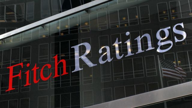 Fitch avisa bancos portugueses para reduzirem malparado