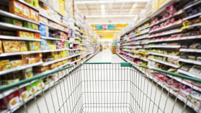 Trabalhadores dos supermercados em greve no domingo de Páscoa