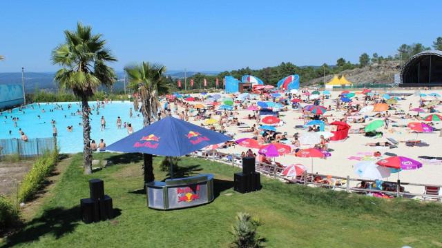 """Praia artificial de Mangualde fez """"as pazes"""" com pessoas do concelho"""