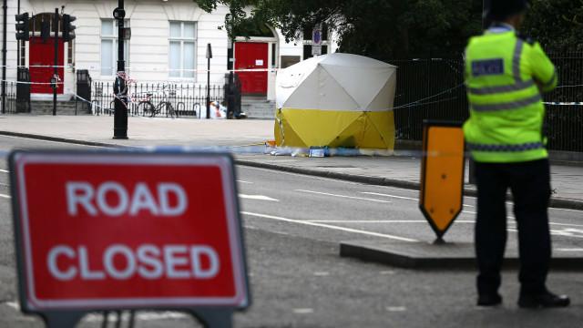 Dois mortos em colisão durante perseguição policial em Londres