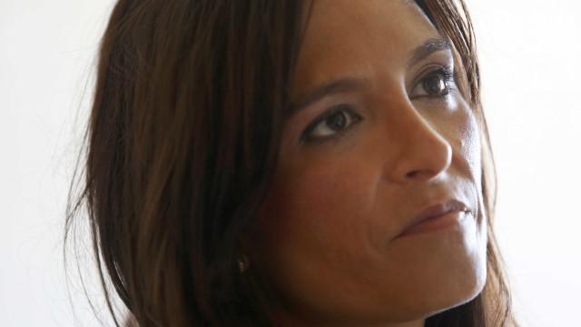 Isabel Moreira condena arquivamento de queixa contra censura de beijo gay