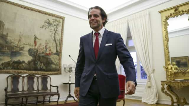 Miguel Albuquerque diz não estar procupado com moção de censura do PS