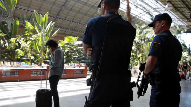 Polícia e Guarda Civil espanholas não foram questionadas sobre imã