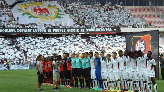 Estádio do Nice cobre-se de branco em homenagem às vítimas