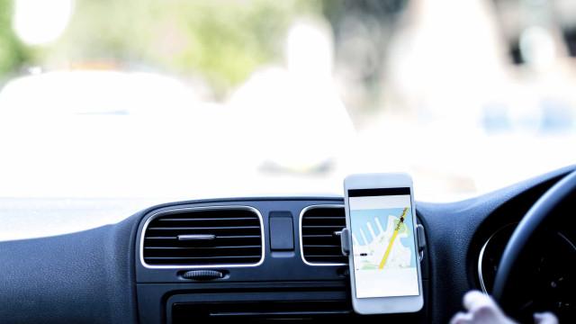 Uber, Cabify, Taxify e Chaffeur Privé. Quatro plataformas a operar cá