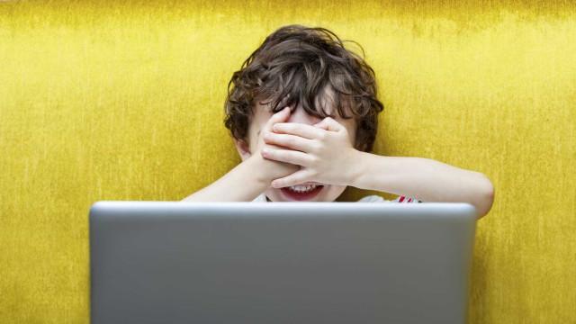 Crianças podem praticar na Internet o que são tecnicamente crimes