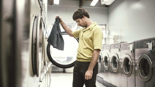Poupança. Ir a uma lavandaria self-service sai três vezes mais caro