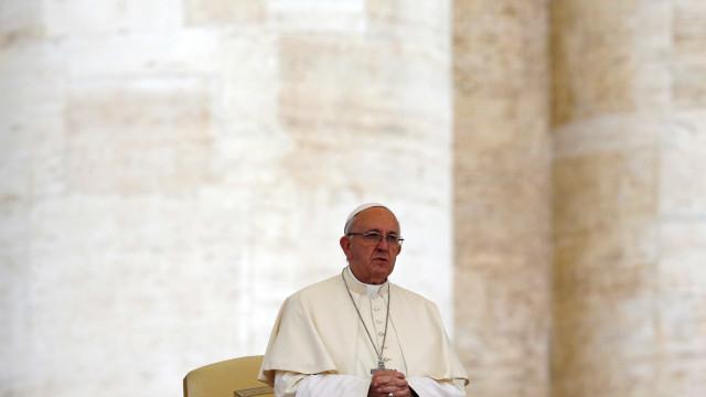 """Aborto em caso de deficiência é eugenismo de """"luvas brancas"""", diz Papa"""