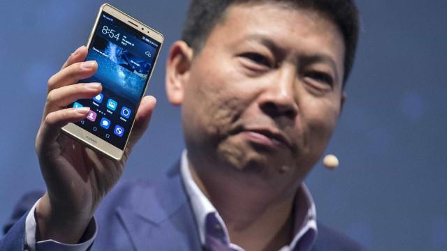 Huawei à frente da Apple na preferência dos consumidores chineses