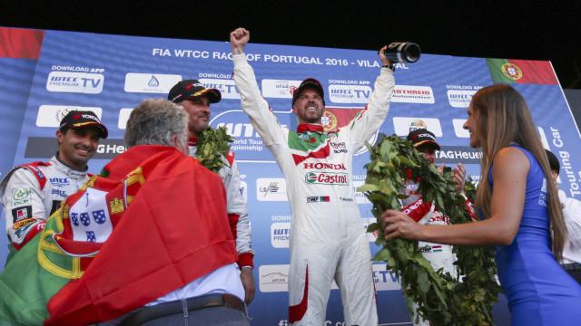 Tiago Monteiro hospitalizado após acidente em Barcelona