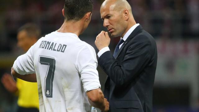 """Zidane sobre Ronaldo: """"Ele vai ficar connosco. Ponto final"""""""