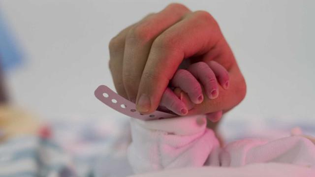 Francisca nasceu na A28 com a ajuda dos Bombeiros de Fão