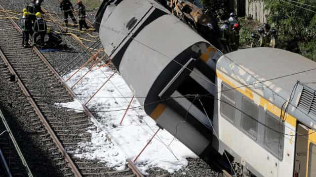 Descarrilamento: Dados da caixa negra do comboio estão a ser recolhidos