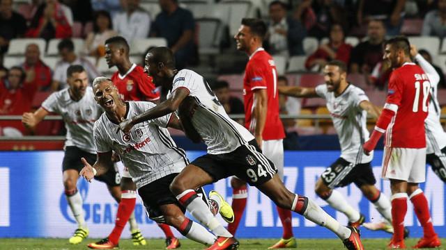"""Talisca recusa regressar ao Benfica: """"Não vou a lugar nenhum"""""""