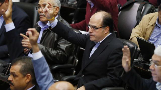 """Presidente do parlamento exige a Governo """"verdade"""" sobre assalto"""