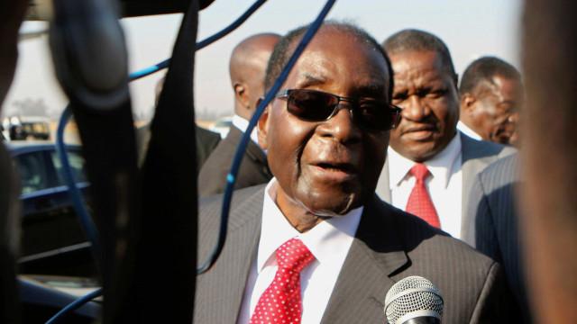 Robert Mugabe apresentou a sua demissão