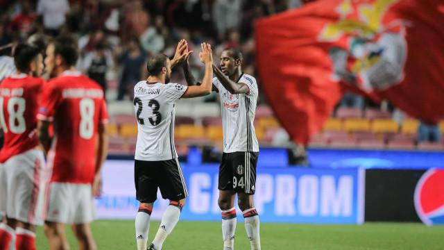 Benfica renova com Talisca a pensar... na venda