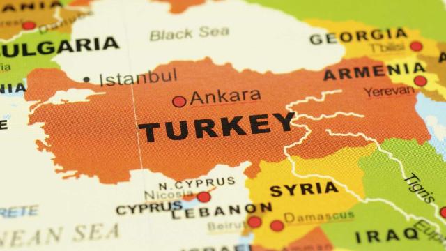 Sismo de magnitude 6,7 na Turquia sem vítimas mas provoca danos materiais