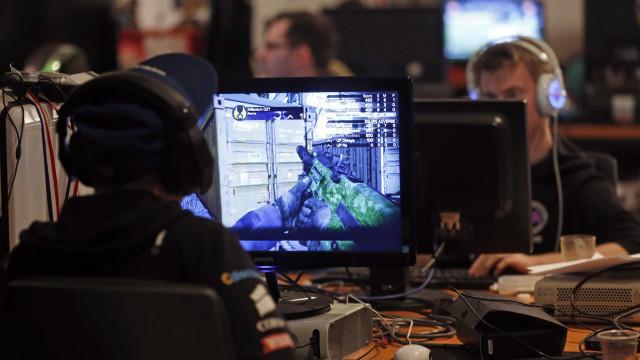 Os monitores que o vão ajudar a elevar a experiência de gaming