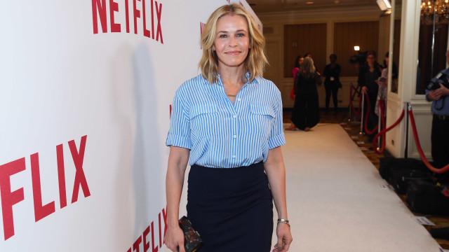 Chelsea Handler está a pensar fazer uma cirurgia para reduzir os seios